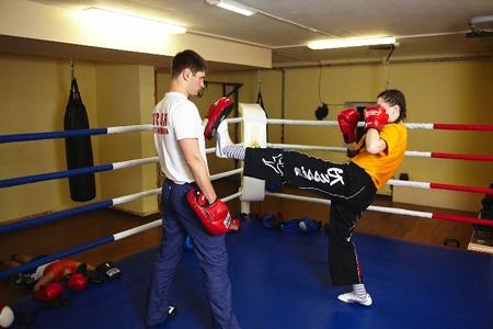 персональные тренировки по боксу и кикбоксингу для девушек